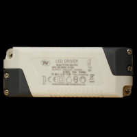 dimmbarer LED Treiber 19,6W 700mA konstantTransformator...